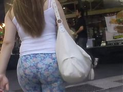 Candid perfect blonde teen ass in blue leggings