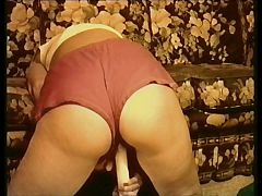 Sasha Hunt in Red Shorts Please post a comment