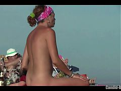 Amateur Nudist naked Cougars Showing their pussies at beach