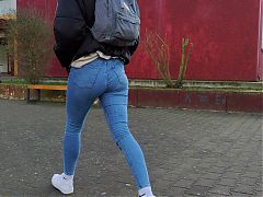 Hot candid Ass in tight Jeans