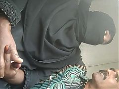 flashing to desi burqa babe in train at lingampally PART 2